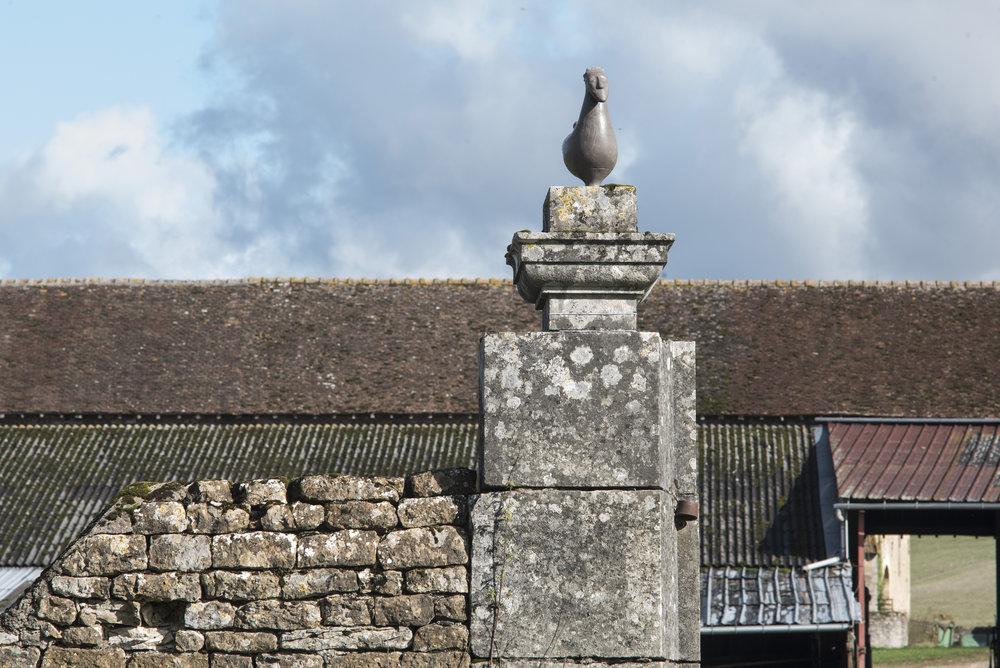 C) Le Coq Celte en haut du toit DSC_9797-projet le vase roi copie.jpg