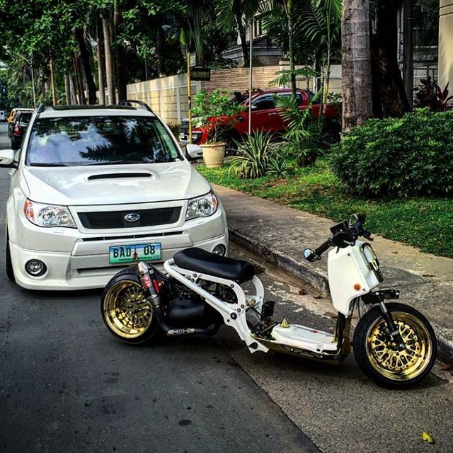 From the Philippines @jeffgreet  ruckus and scooby.  Featuring FLPPARTS 2 piece CLASSIC CCW  dipped in gold along with some flp hardware and spike gas cap !! Sweet build buddy