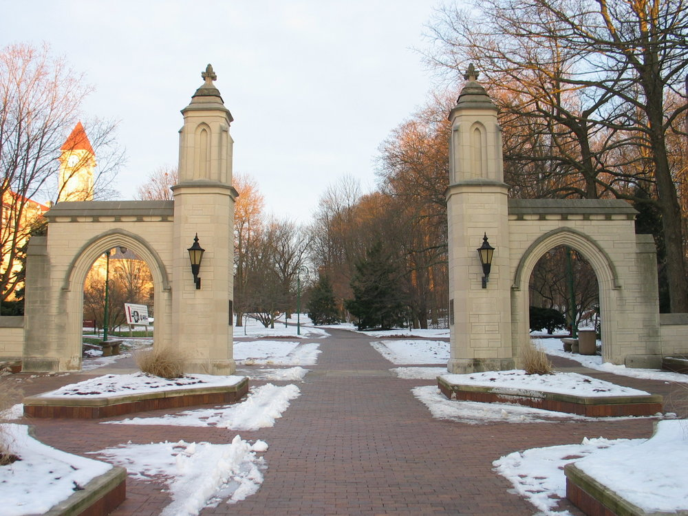 Indiana_University_Bloomington_Sample_Gates_-_panoramio.jpg