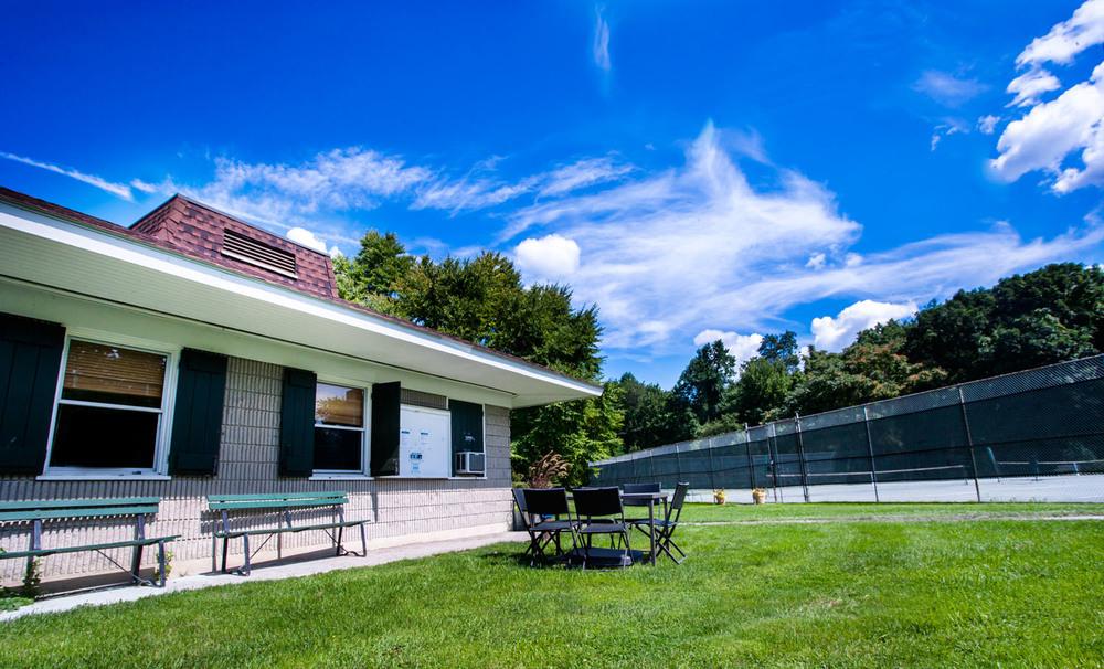 oak hills tennis club.jpg