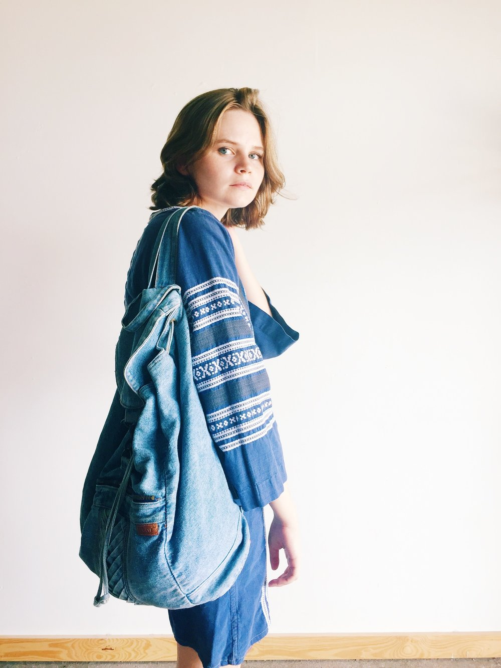 wonaponatime-vintage-lookbook-blue-bag-top