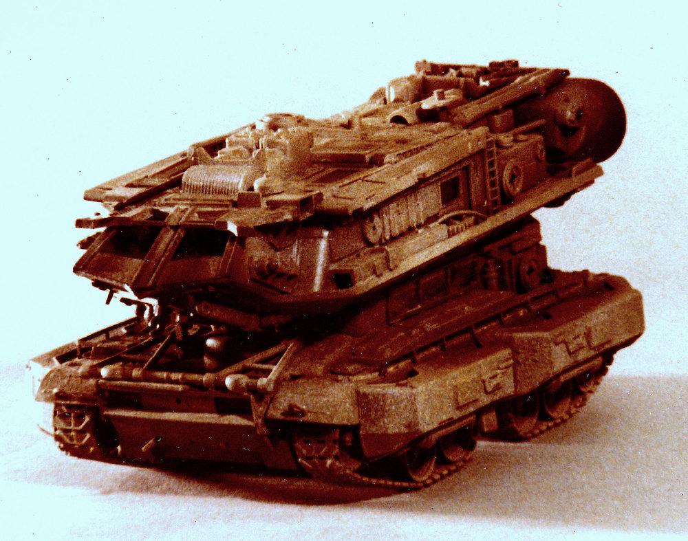 tank w. space ship (1).jpg