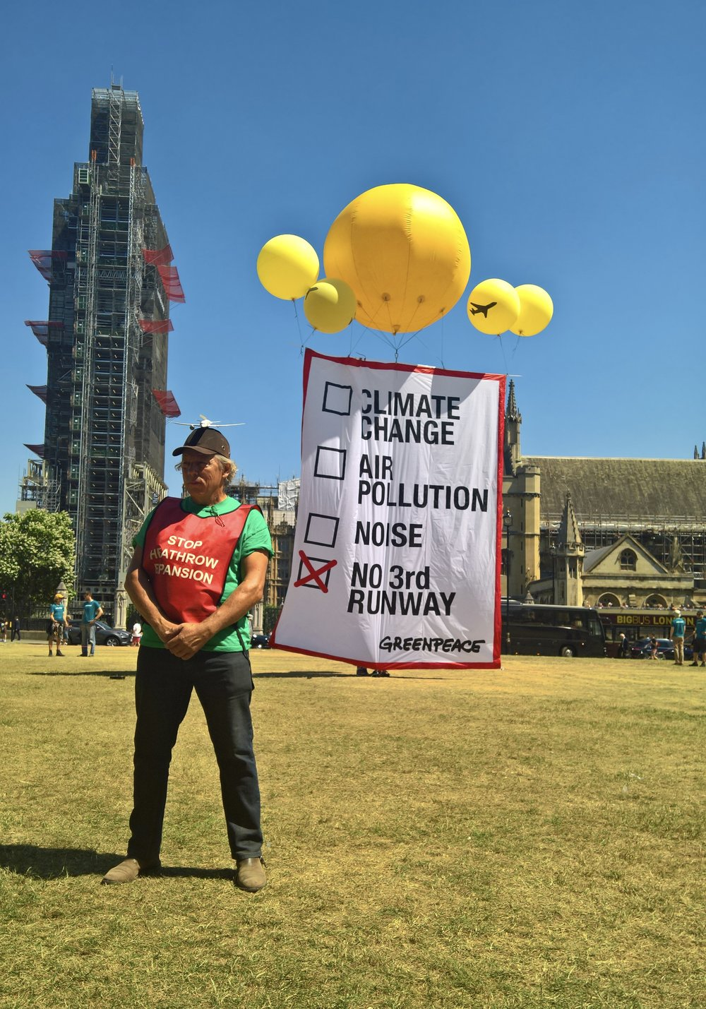 Neil Keveren joins Greenpeace protestors outside Parliament