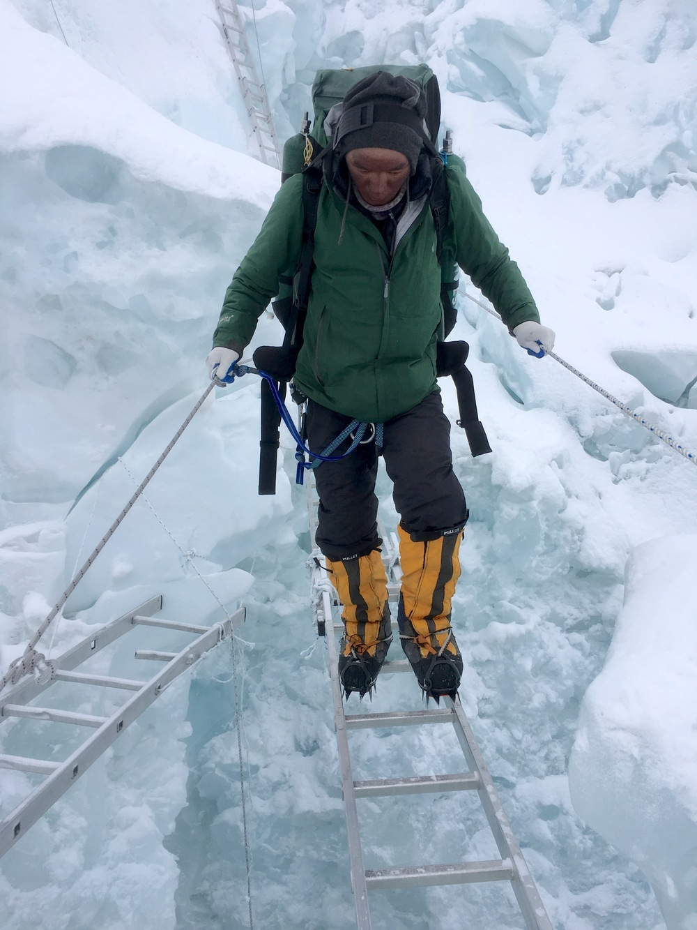 Pa Rita Sherpa descending on the Khumbu Ice Fall