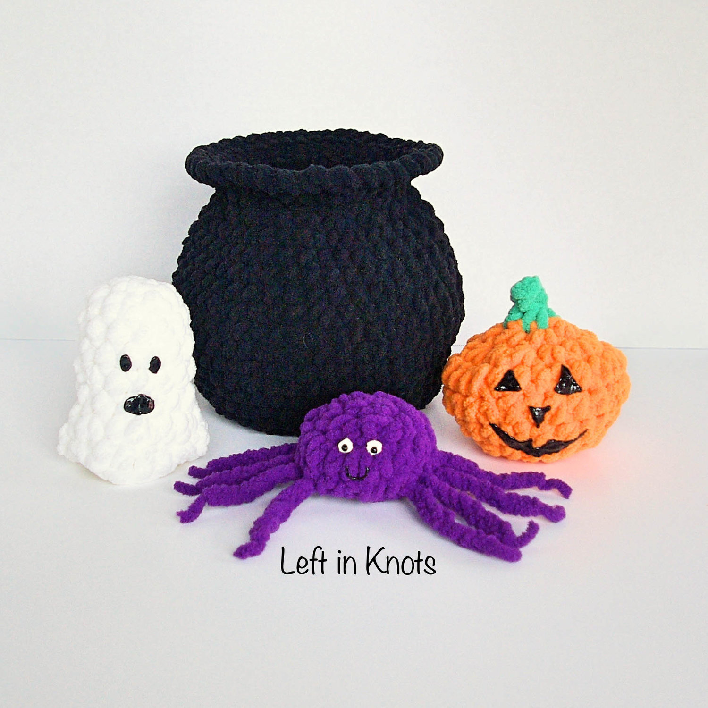 Crochet Halloween cat pattern   Amiguroom Toys   1500x1500