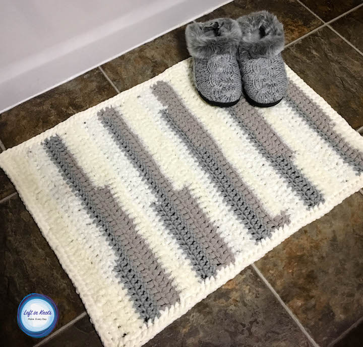 Textures Rug Left In Knots Awesome Bernat Home Bundle Yarn Patterns