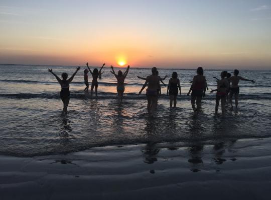 woman_sunset_sea.jpg