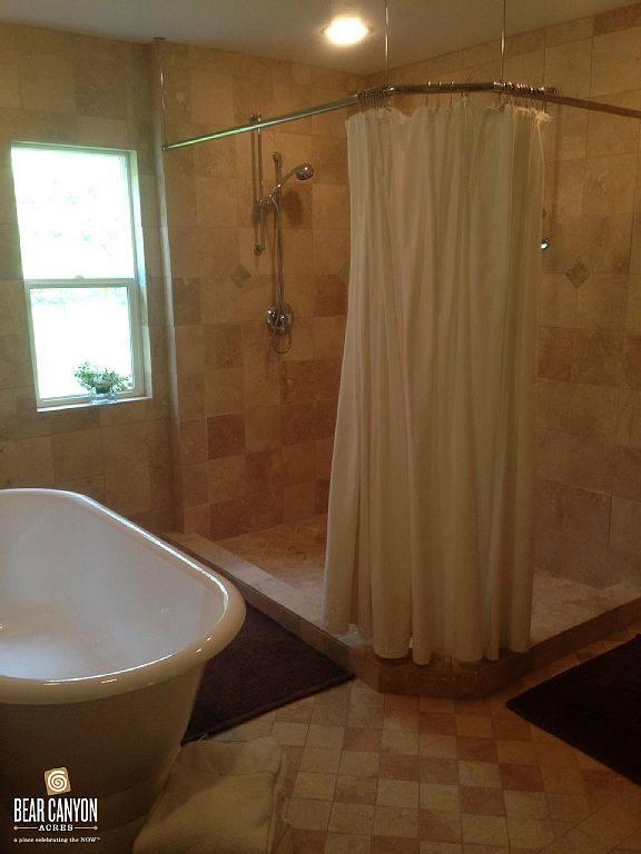 Master Suite - Bathroom BAM