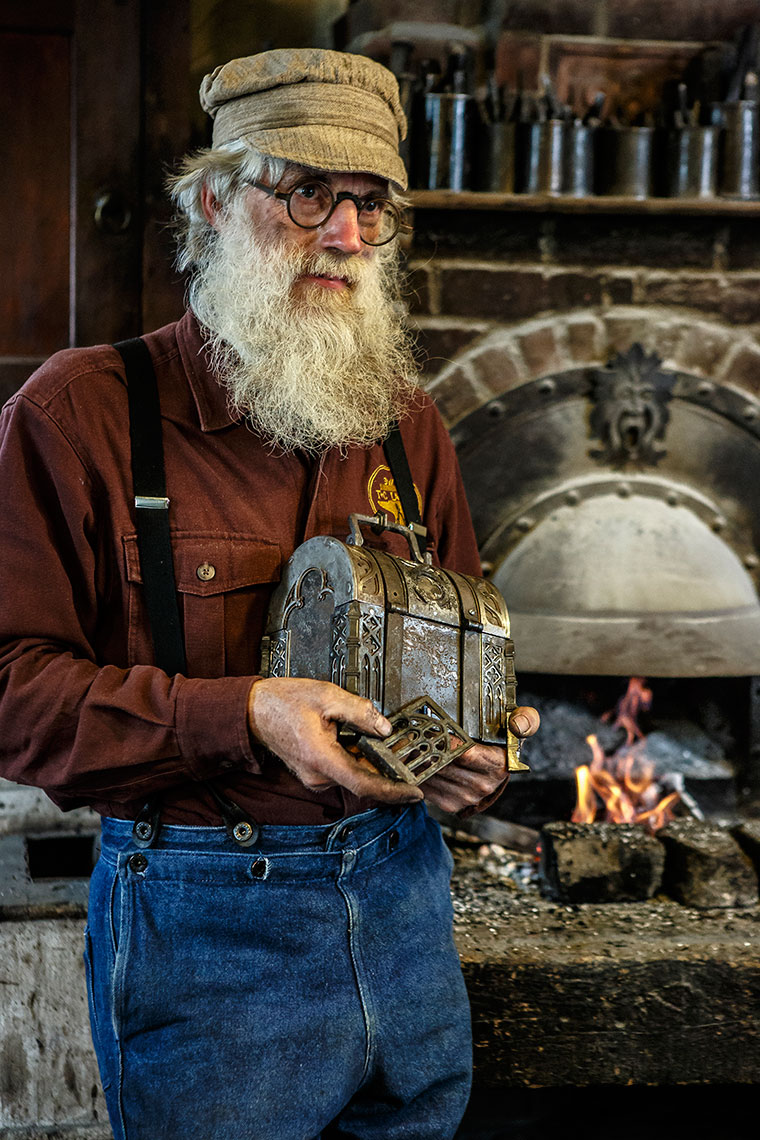 Blacksmith-Tom-Latane-1074APF.jpg
