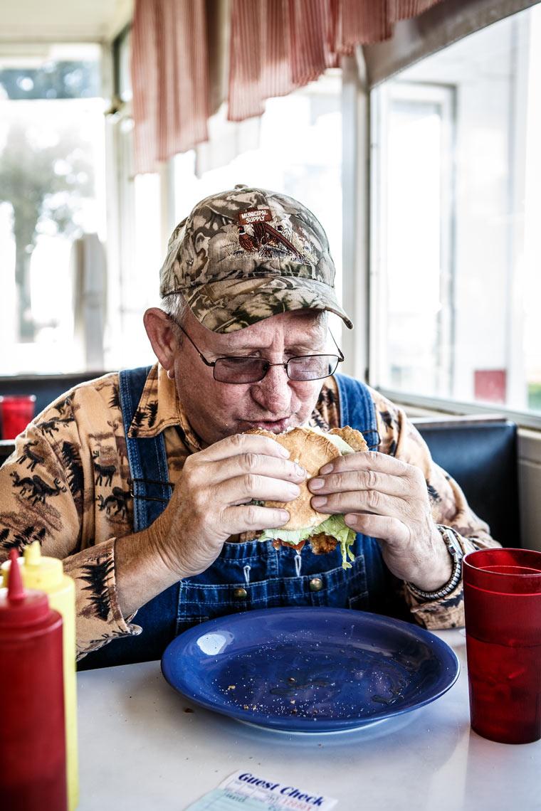 Customer-at-Dinky-Diner-Iowa-9448-apf.jpg