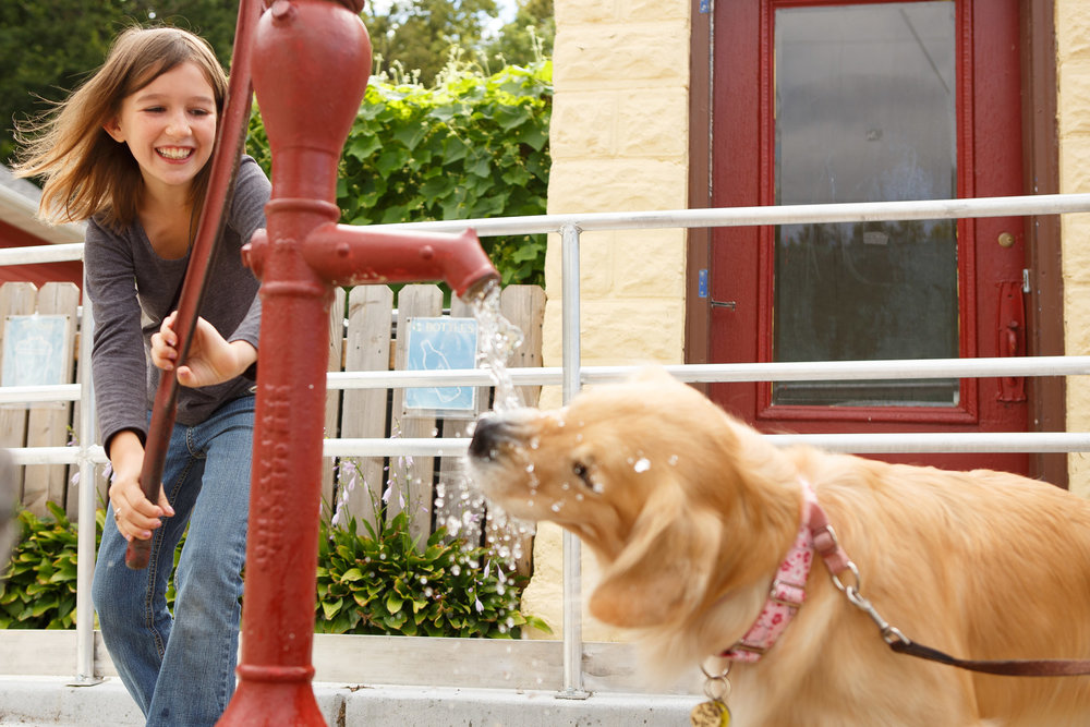 children-pumping-water-for-dog-stockholm-wisconsin-sp-6249.jpg