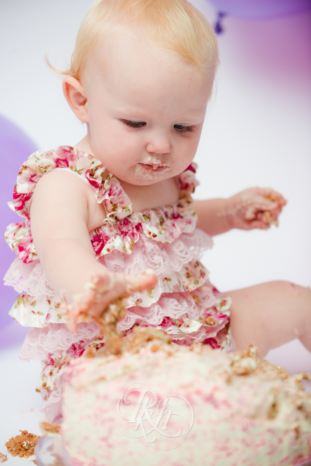 Burnsville Minnesota Baby Photography - Cake Smash - RKH Images-13