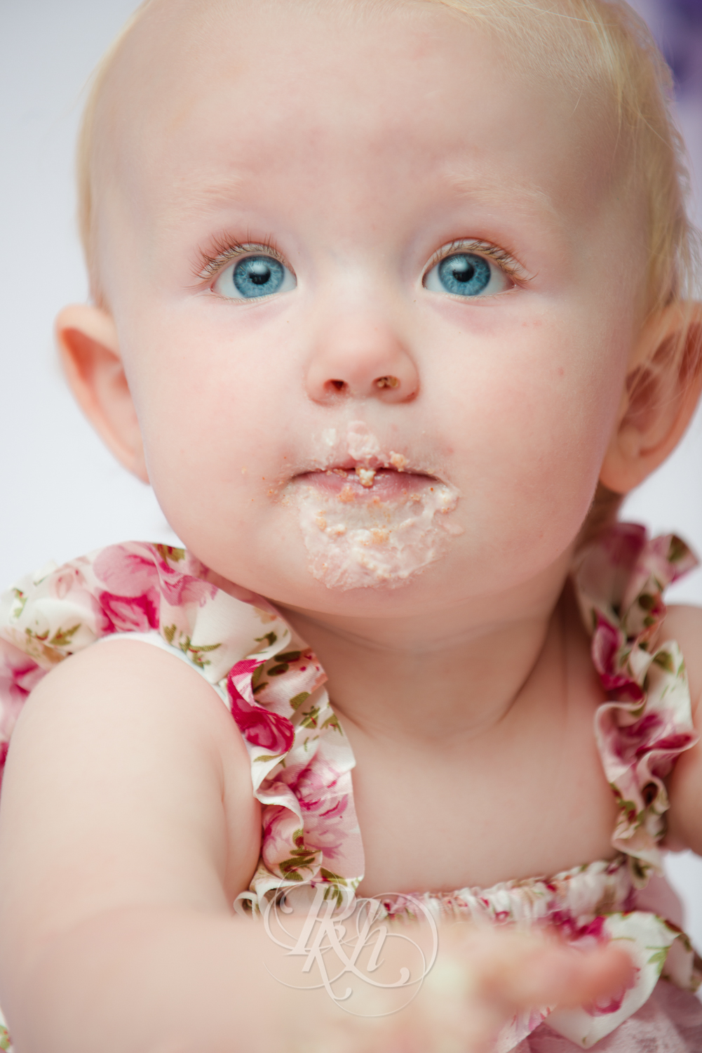 Burnsville Minnesota Baby Photography - Cake Smash - RKH Images-15