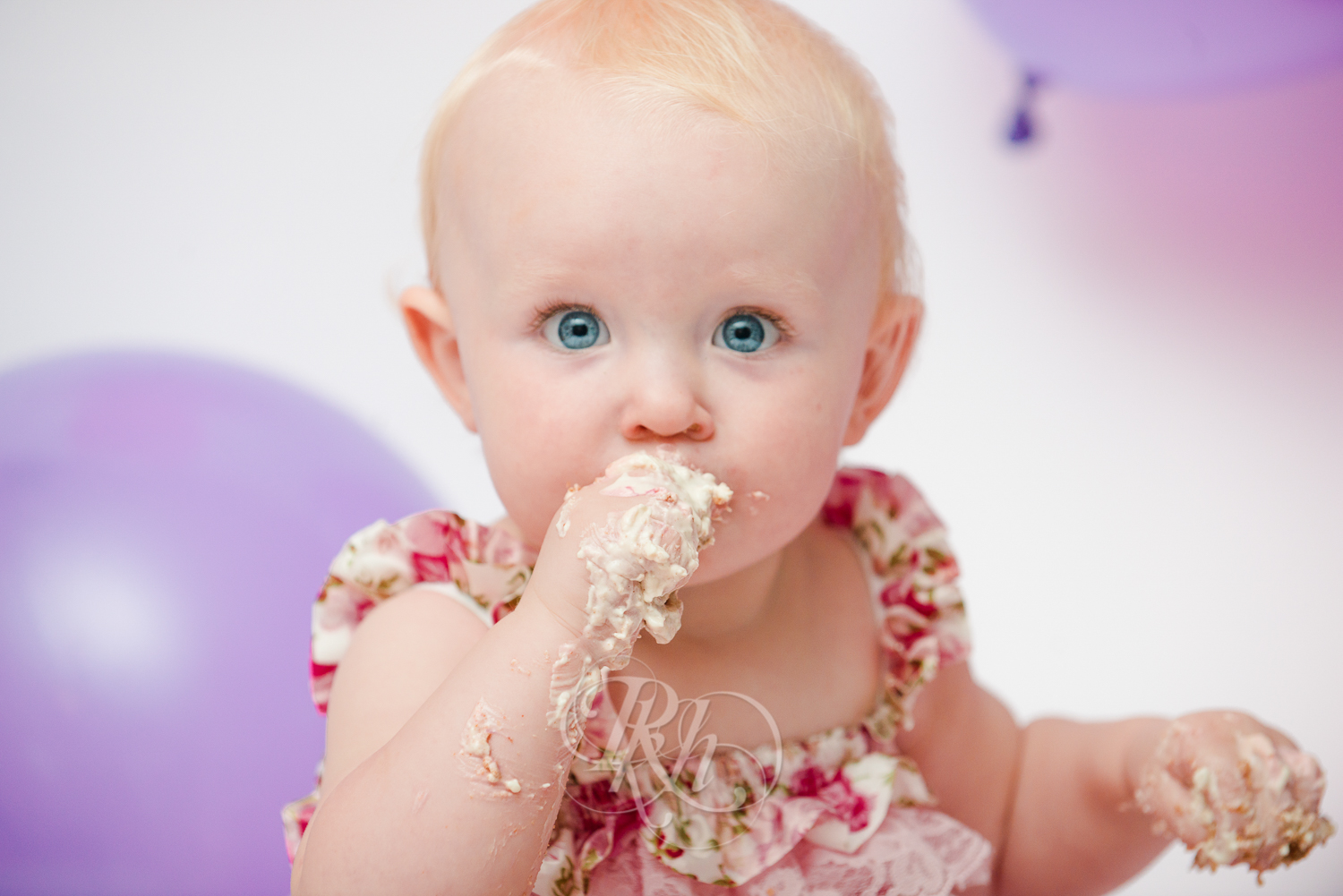 Burnsville Minnesota Baby Photography - Cake Smash - RKH Images-17