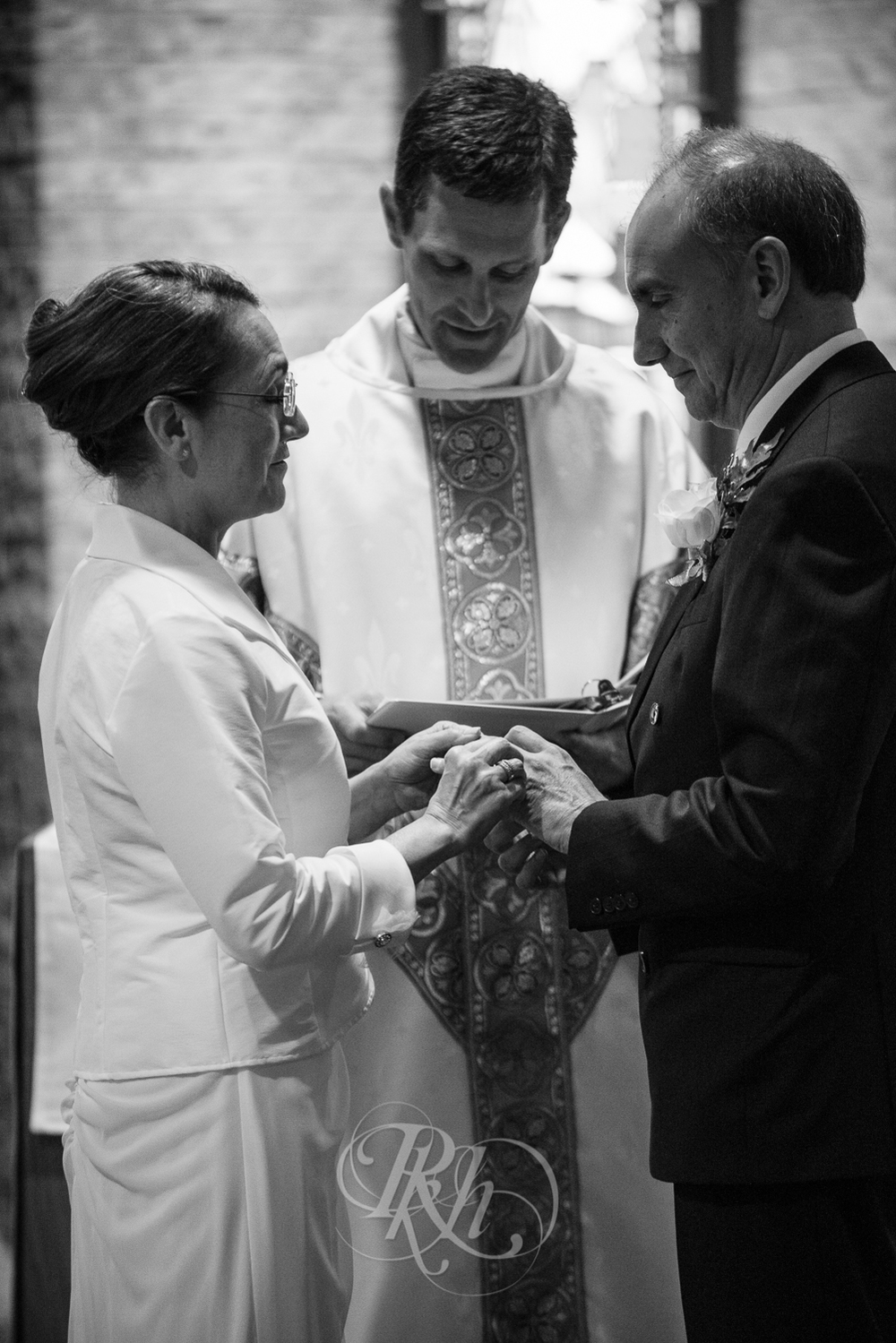 Lakeville Wedding Photography - Bertie & Maurico - RKH Images-4