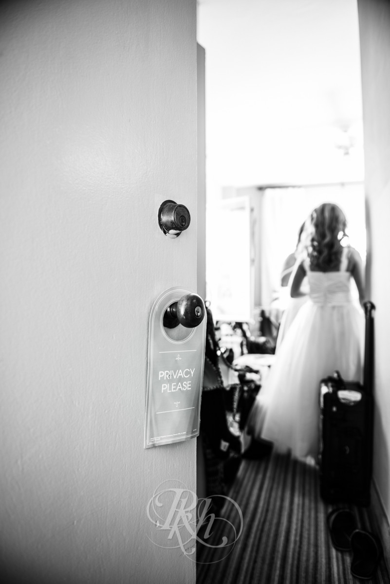 RKH Images - Tiffany & John - Los Angeles Wedding Photography - Getting Ready-12