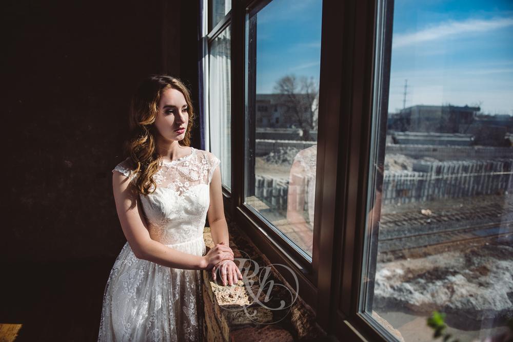 Minneapolis Wedding Shoot - RKH Images - Minnesota Wedding Photographer - Samples-32