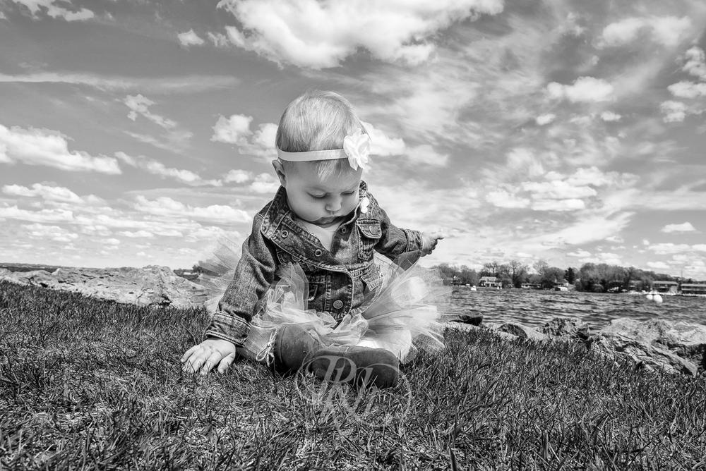Ashley & Eric - Minnesota Family Photographer - RKH Images-6.jpg
