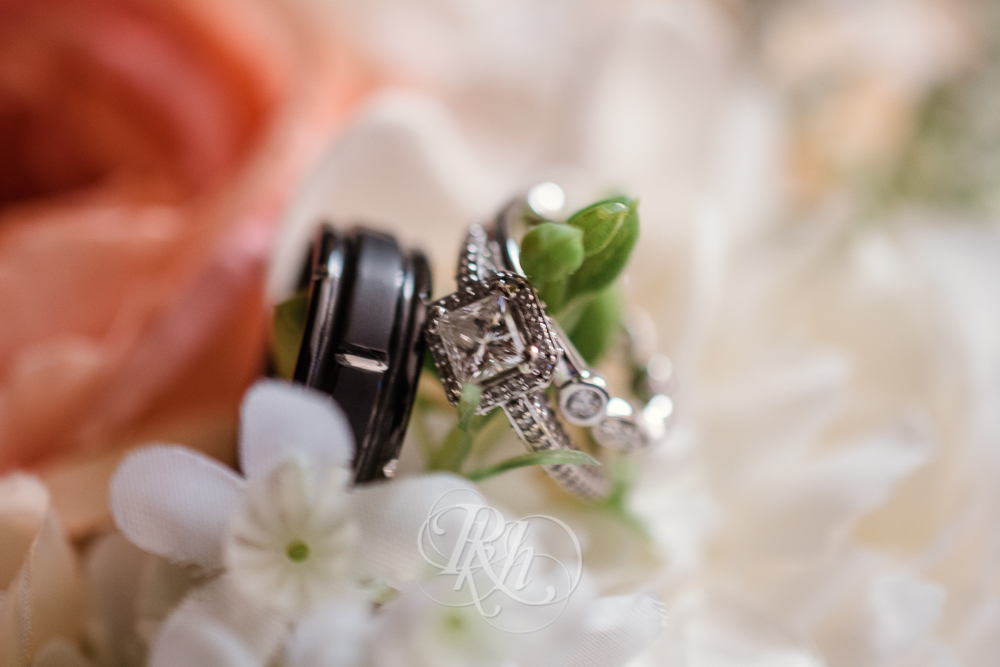 Julie & Andy - Details - Minnesota Wedding Photographer - RKH Images-5.jpg