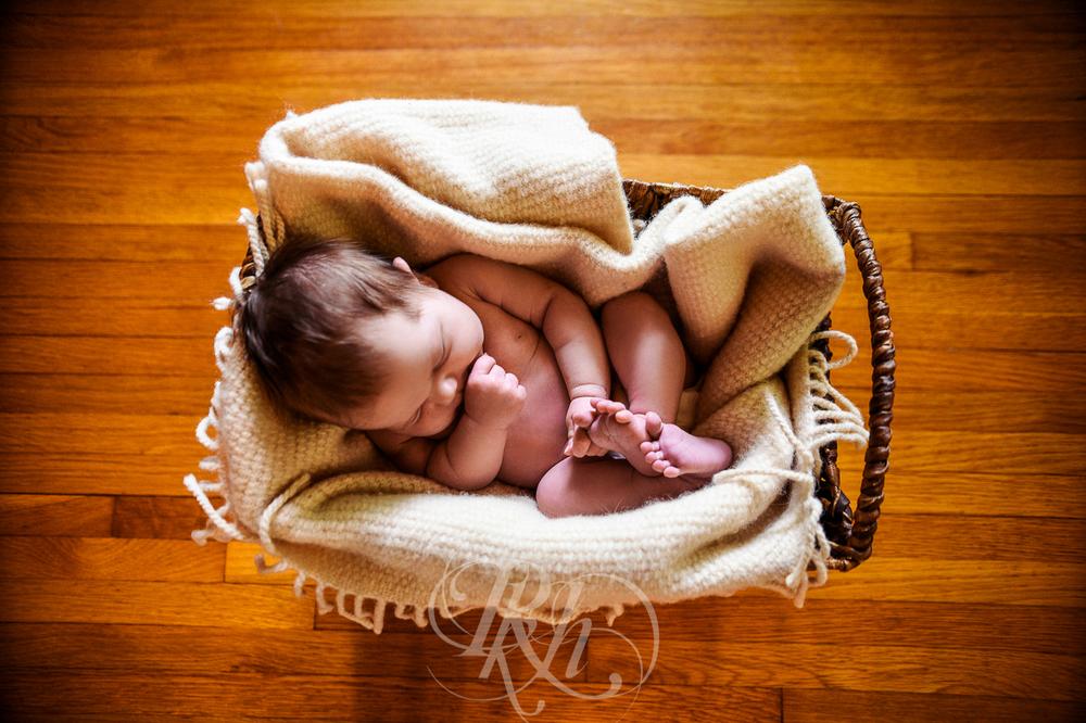 Baby Ella - Minnesota Baby Photographer - RKH Images - Blog-2.jpg