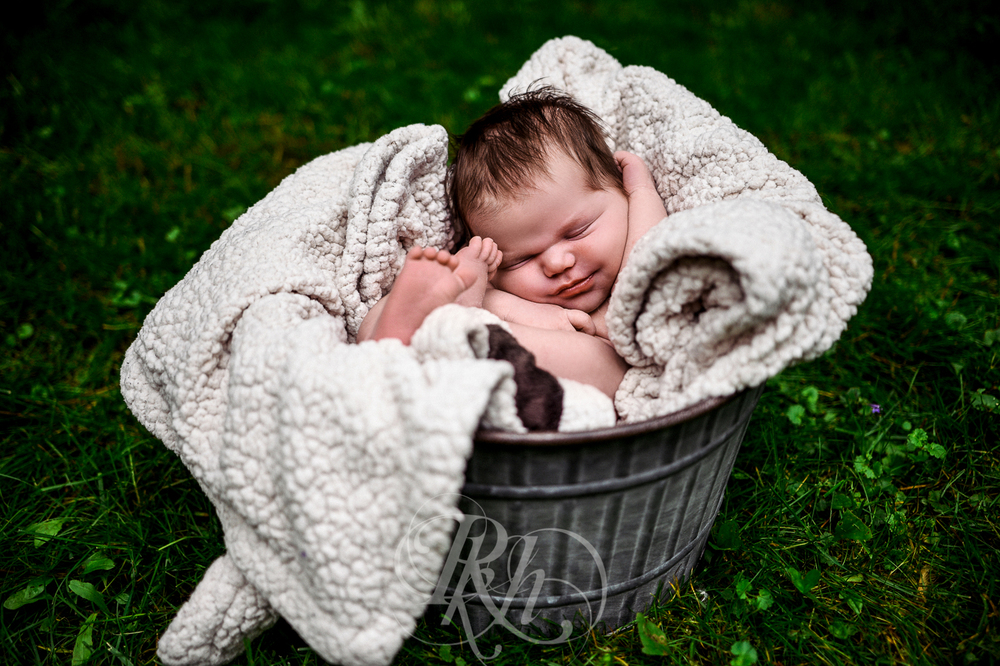 Baby Ella - Minnesota Baby Photographer - RKH Images - Blog-5.jpg