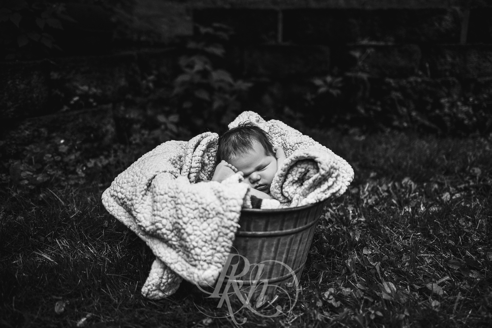 Baby Ella - Minnesota Baby Photographer - RKH Images - Blog-7.jpg