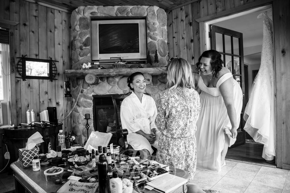 Norilyn & Luke - Minnesota Wedding Photographer - RKH Images - Getting Ready-10.jpg