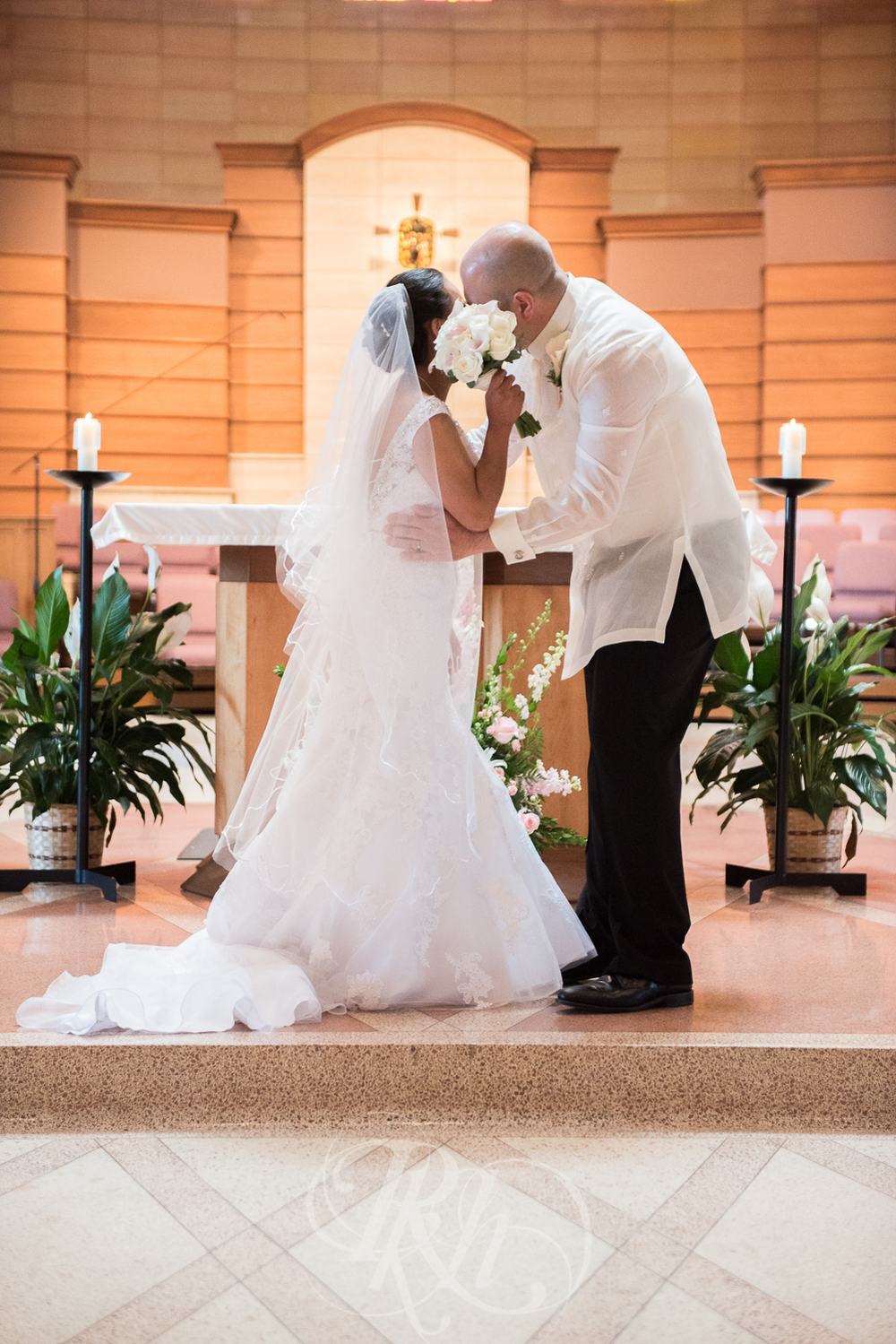 Norilyn & Luke - Minnesota Wedding Photographer - RKH Images - Ceremony-5.jpg