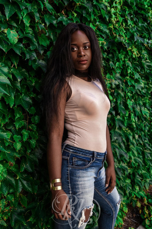 Madie - Portraits - RKH Images -49.jpg