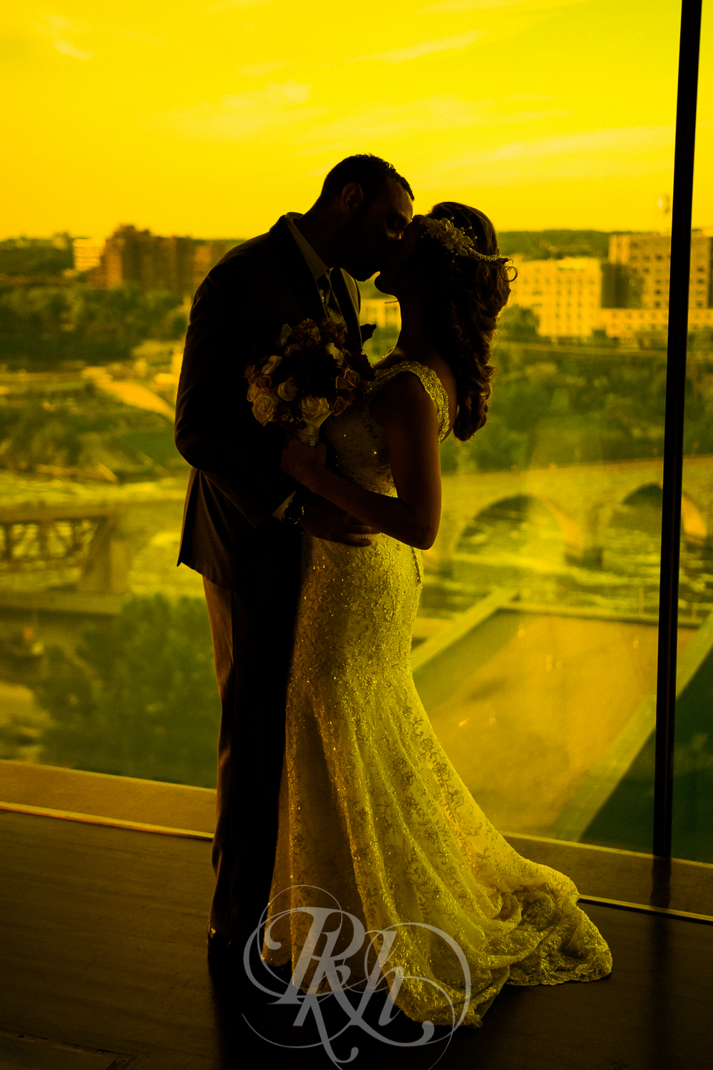 Brittany & Justin - Minnesota Wedding Photographer - Mill City Museum - RKH Images -26.jpg