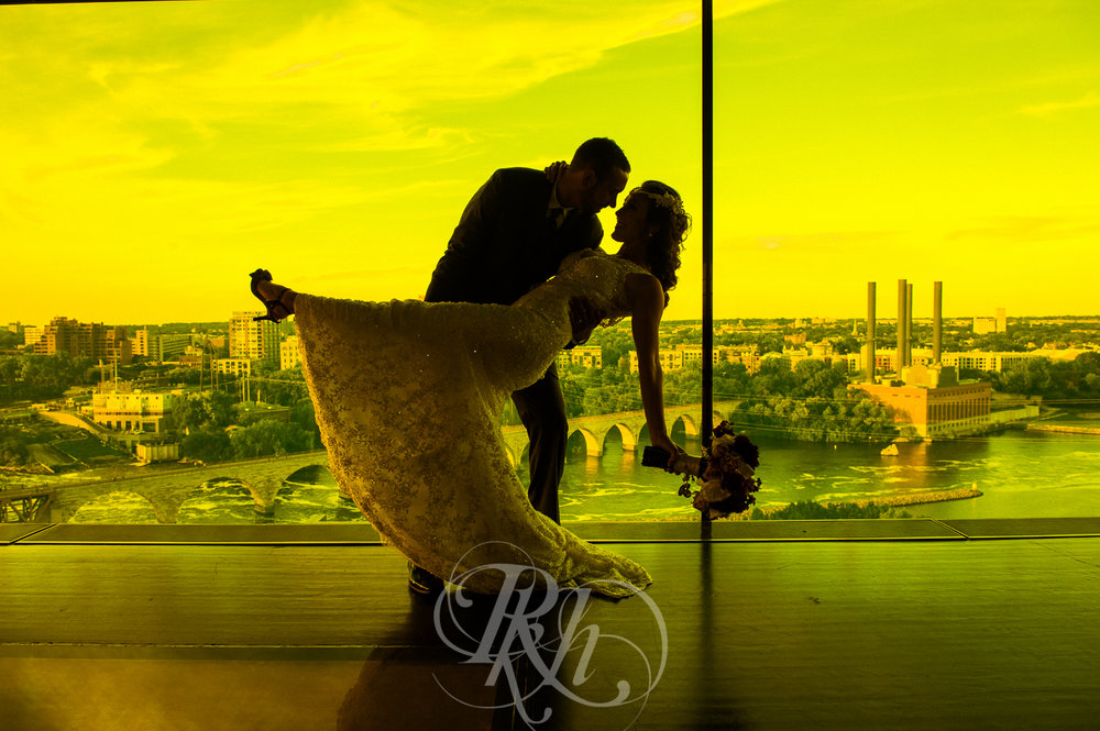 Brittany & Justin - Minnesota Wedding Photographer - Mill City Museum - RKH Images -27.jpg