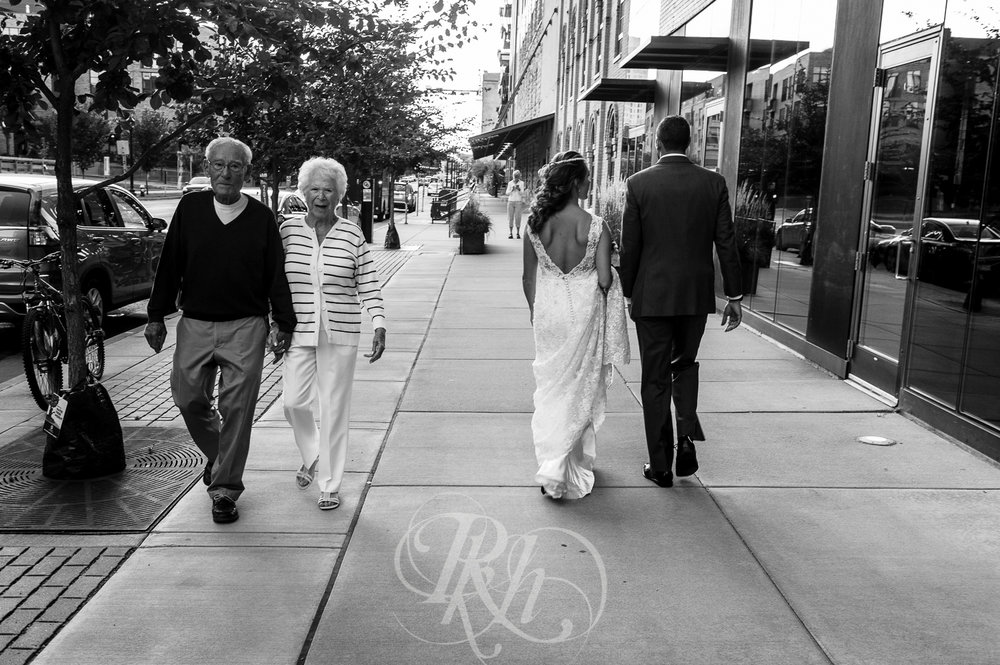 Brittany & Justin - Minnesota Wedding Photographer - Mill City Museum - RKH Images -30.jpg
