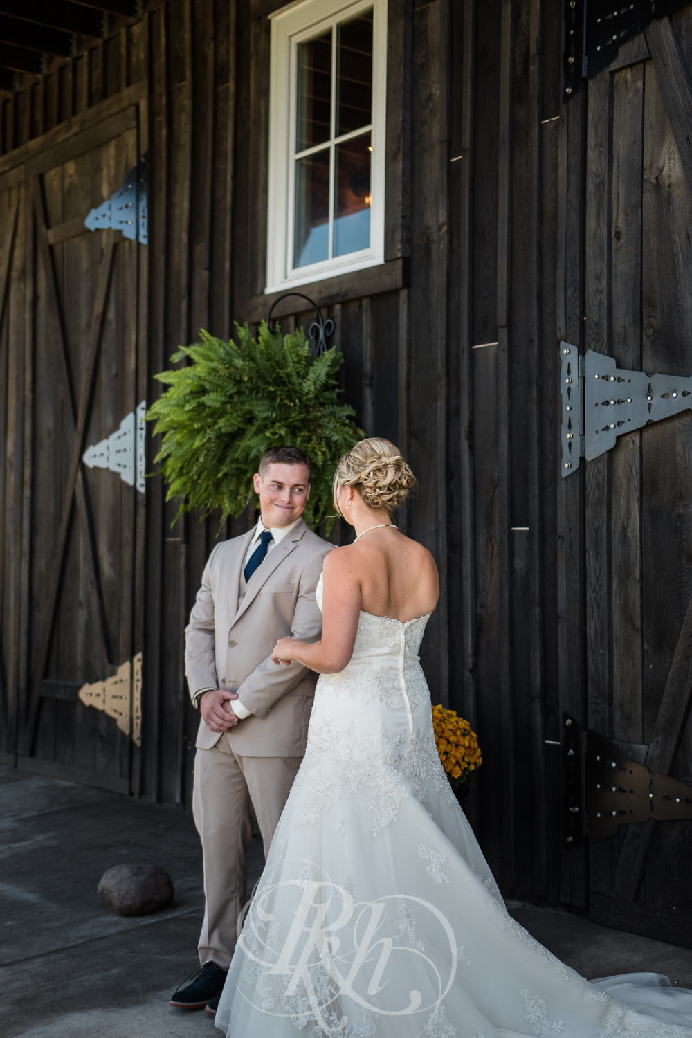 Abby & Sean - Minnesota Wedding Photographer - Barn at Crocker's Creek - RKH Images - Blog -13.jpg