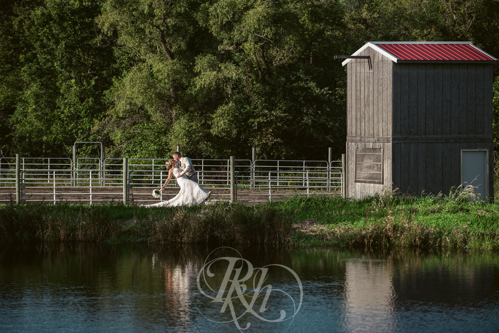 Abby & Sean - Minnesota Wedding Photographer - Barn at Crocker's Creek - RKH Images - Blog -18.jpg