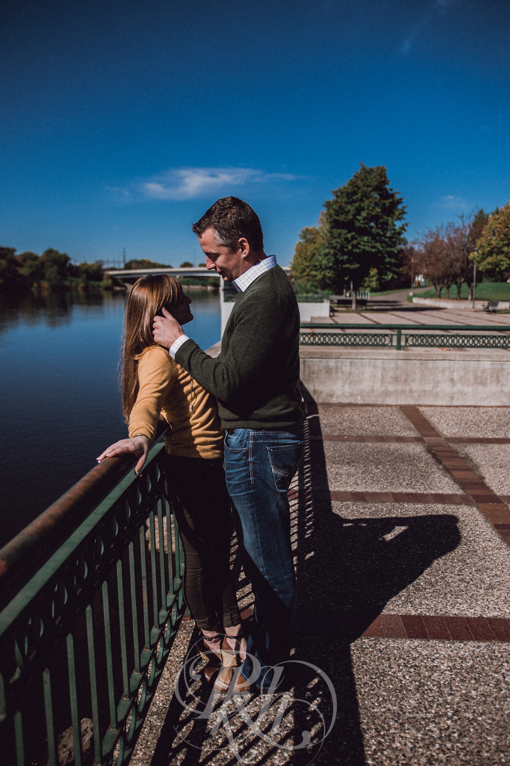 Bobbi & Graham - Minnesota Engagement Photography - RKH Images -3.jpg
