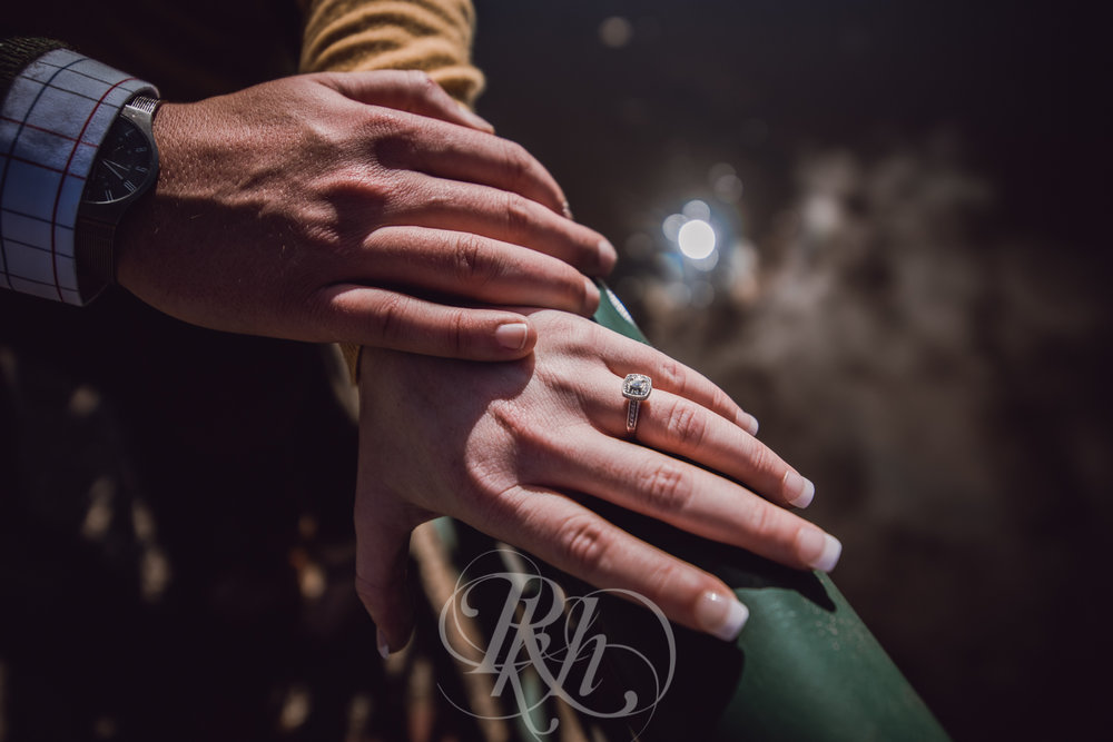 Bobbi & Graham - Minnesota Engagement Photography - RKH Images -4.jpg
