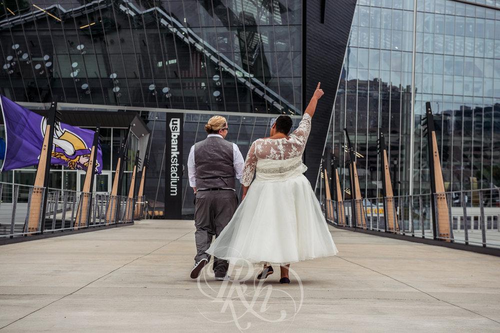Beth & Clarissa - Minnesota LGBT Wedding Photography - RKH Images - Blog -21.jpg