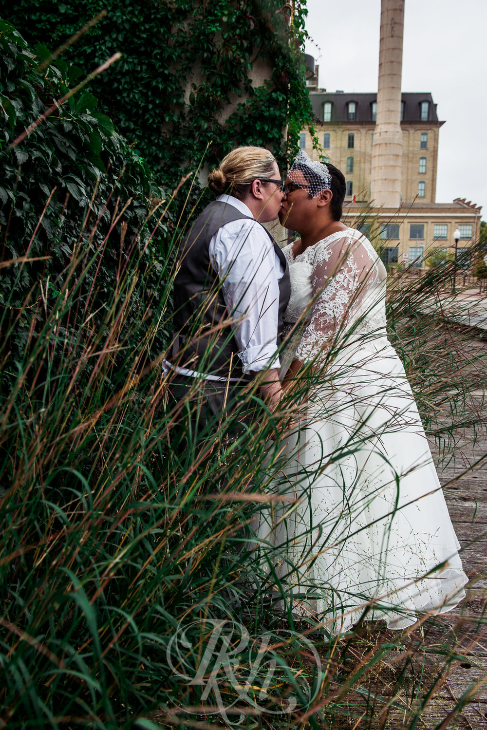 Beth & Clarissa - Minnesota LGBT Wedding Photography - RKH Images - Blog -26.jpg