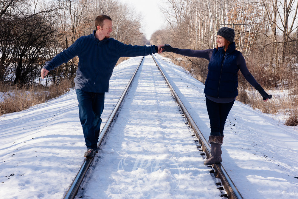 Lindsey & Jeremy - Minnesota Winter Engagement Photography - RKH Images -9.jpg