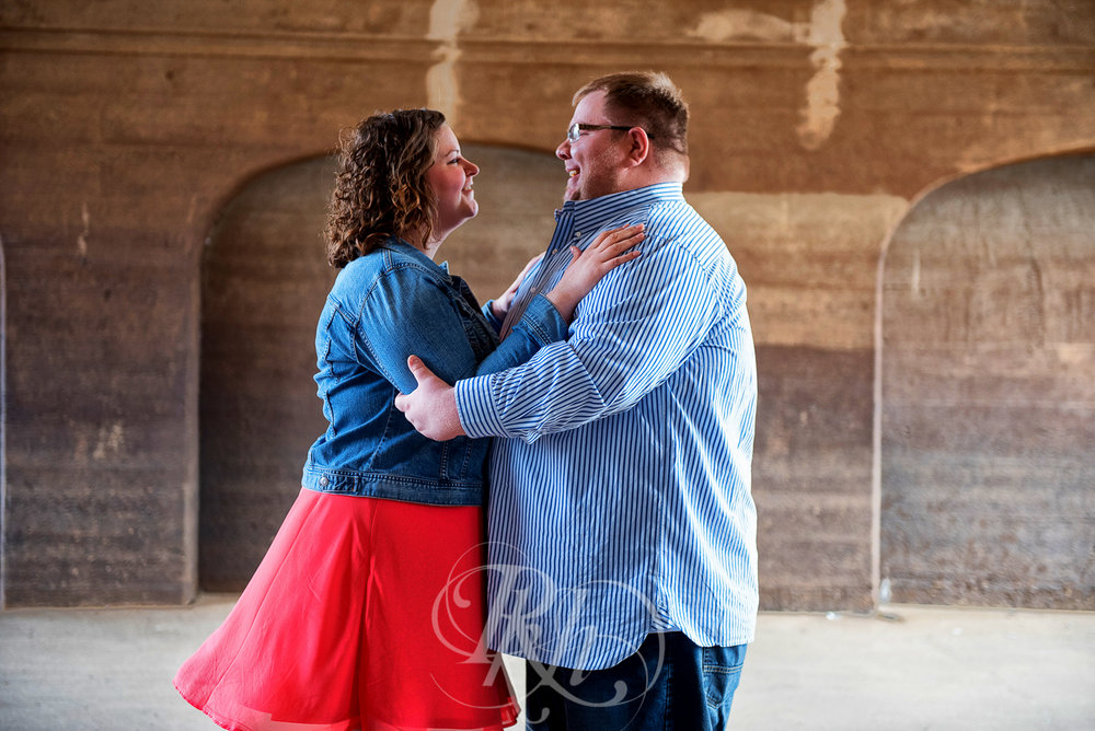 Amber & Tristan - Stillwater Engagement Photography - RKH Images -4.jpg