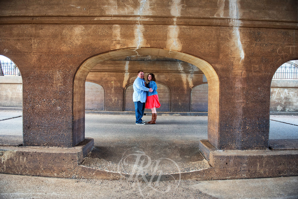 Amber & Tristan - Stillwater Engagement Photography - RKH Images -3.jpg
