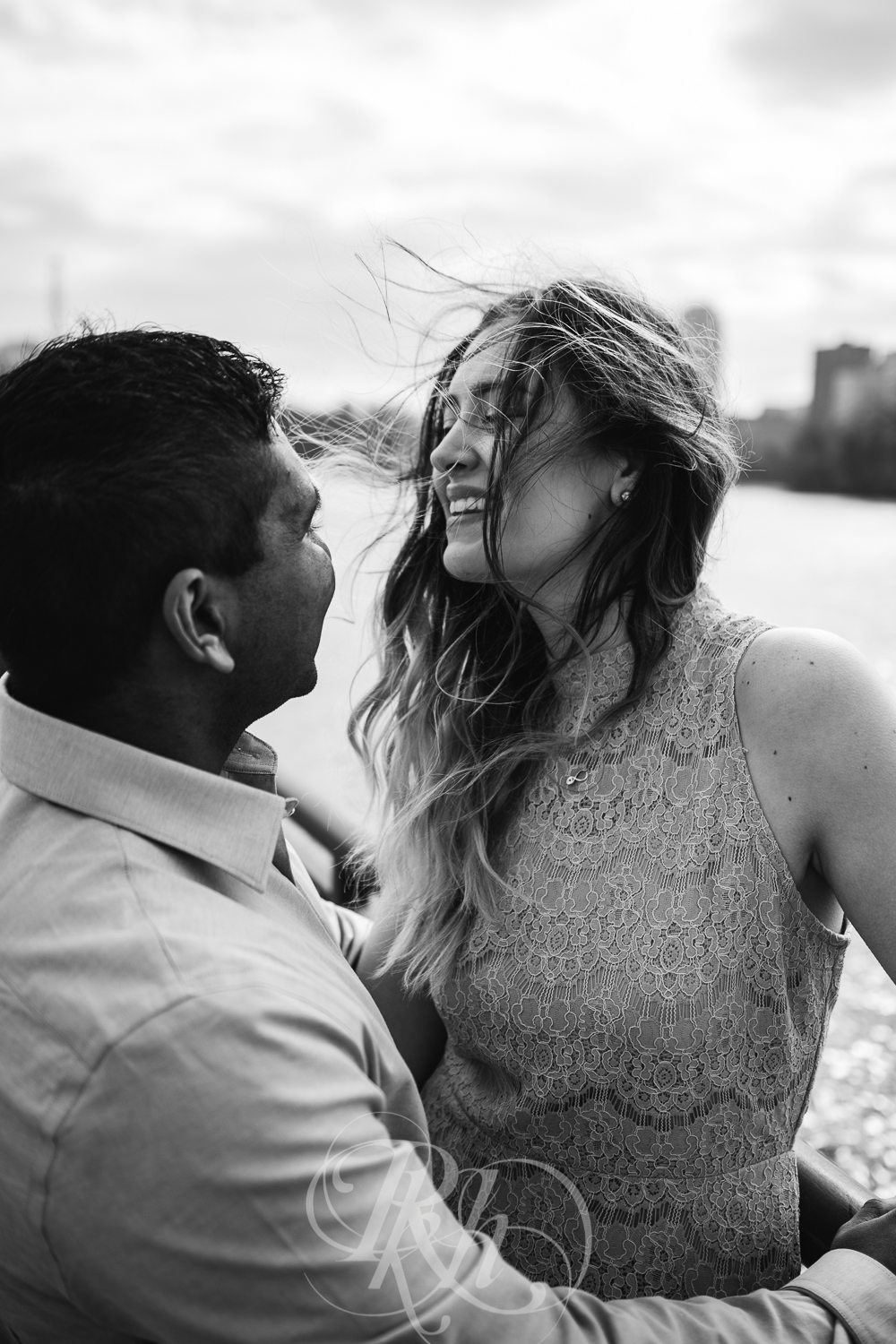 Megan & Gavin - Minnesota Engagement Photography - Boom Island Park - RKH Images -5.jpg