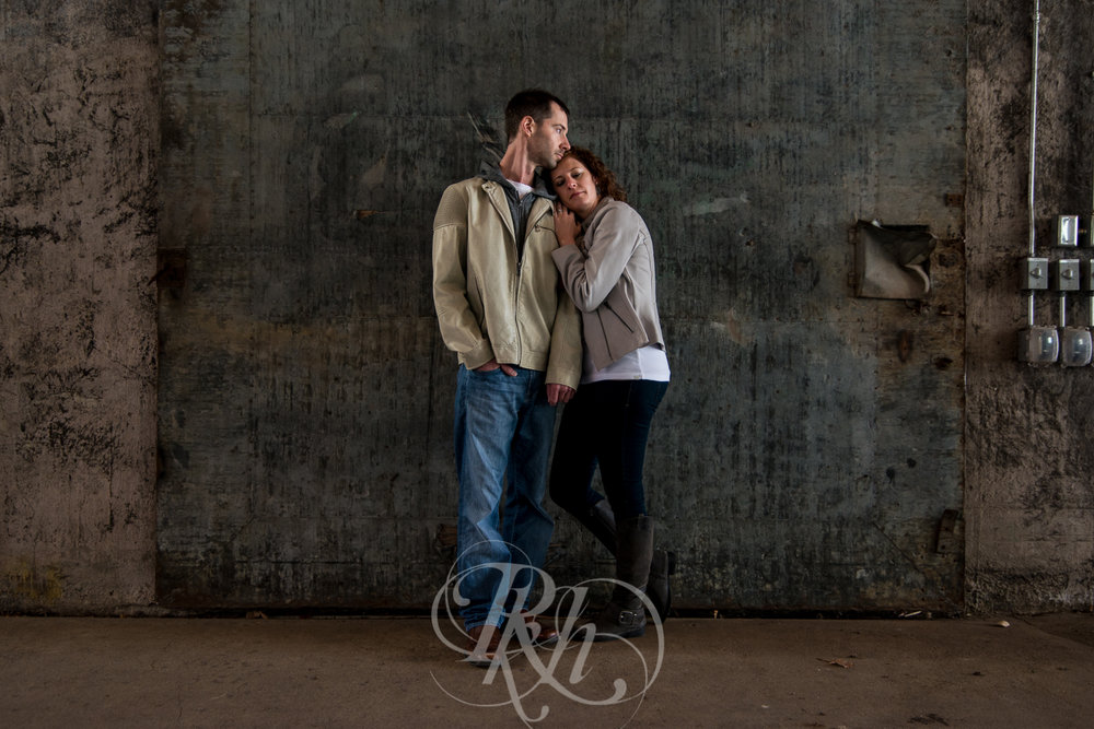 Stephanie & Sean - Minnesota Engagement Photography - RKH Images  -5.jpg