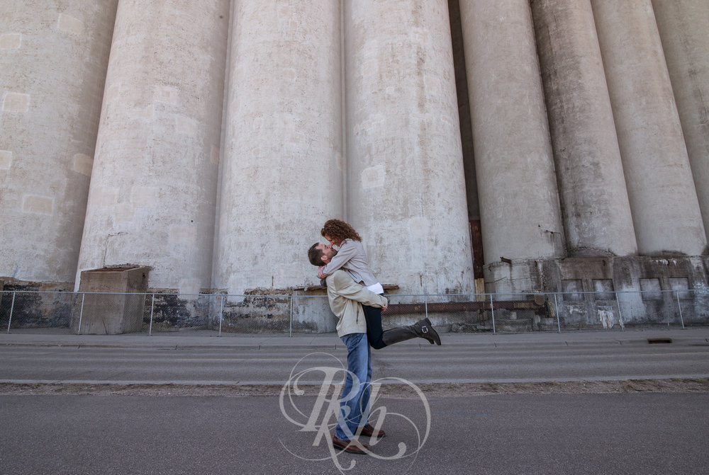 Stephanie & Sean - Minnesota Engagement Photography - RKH Images  -8.jpg