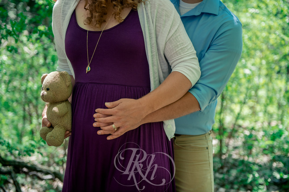 Hailey & Grant - Minnesota Maternity Photography  - RKH Images -10.jpg