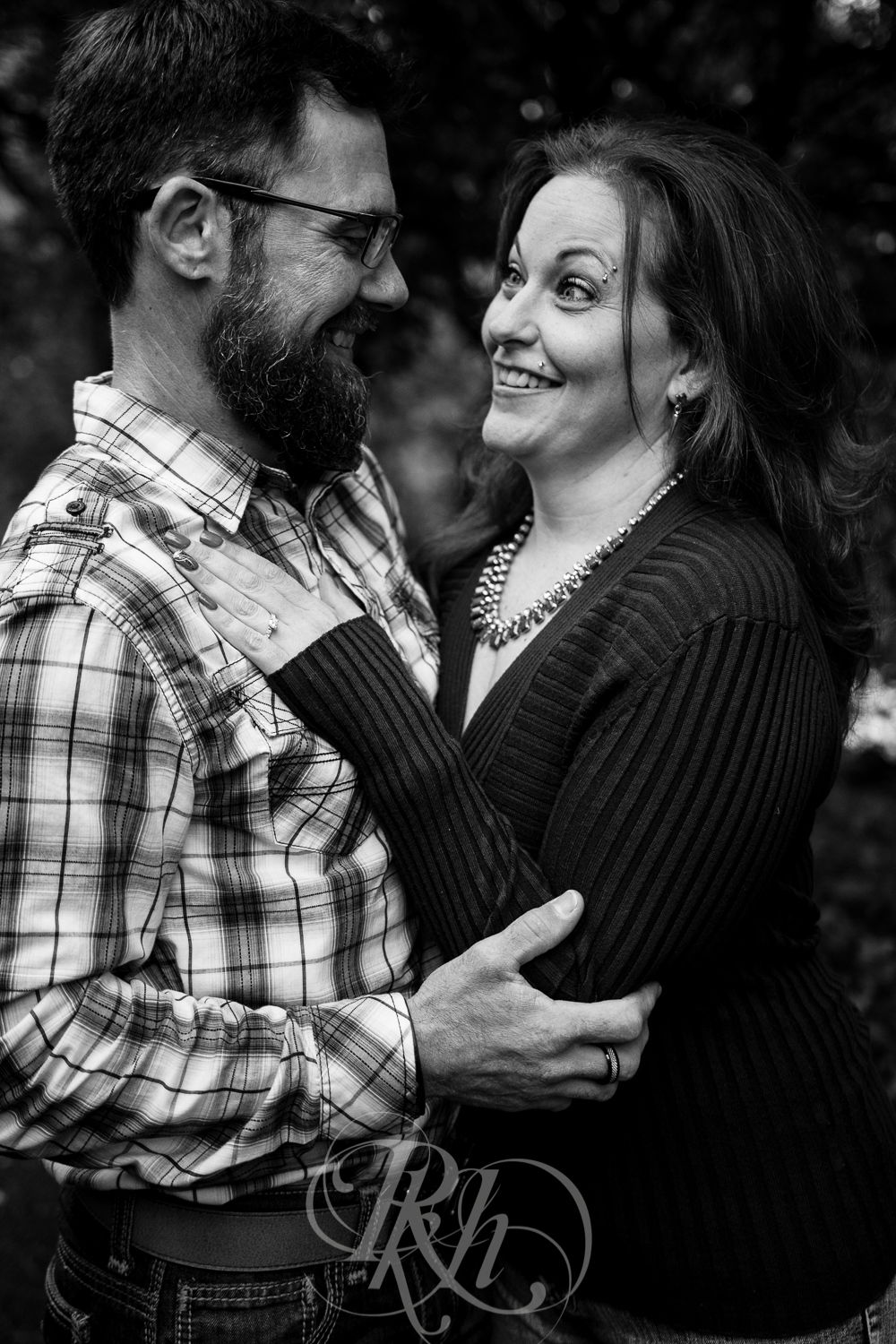 April & Brice - Minnesota Engagment Photography - Boom Island Park - RKH Images -2.jpg