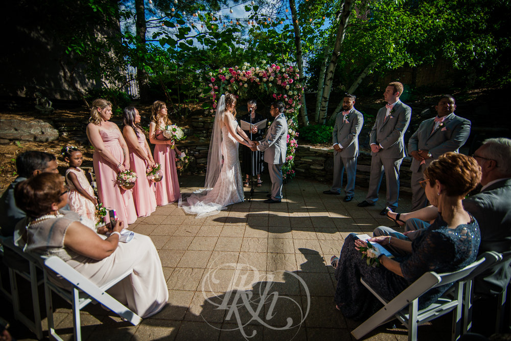 Megan & Gavin - Minnesota Wedding Photography - Van Dusen Mansion - RKH Ikmages -28.jpg