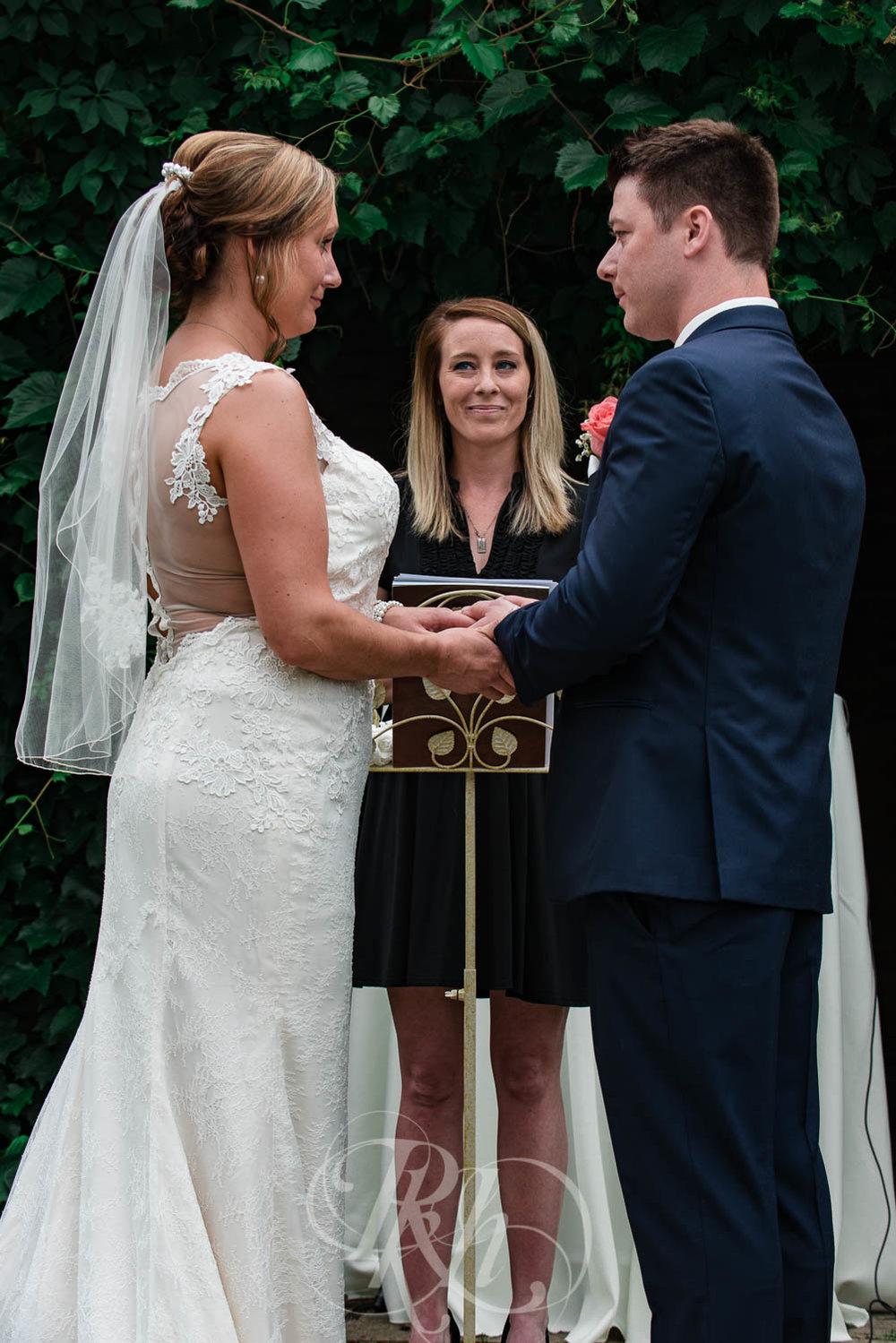 Jackie & Jan - Mankato Wedding Photography - Hubbard House - RKH Images - Blog  (15 of 22).jpg
