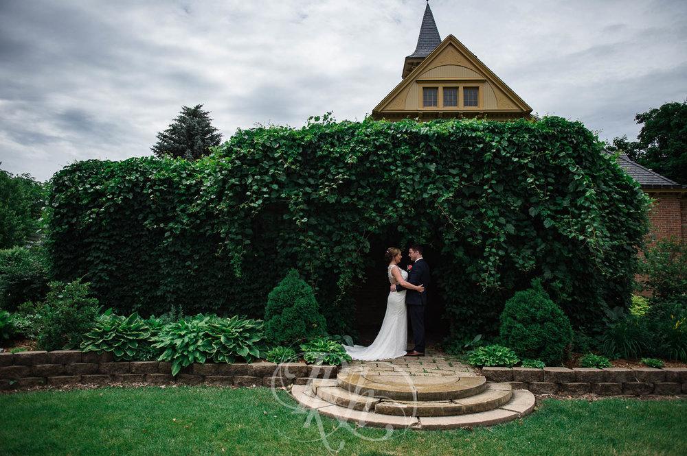 Jackie & Jan - Mankato Wedding Photography - Hubbard House - RKH Images - Blog  (18 of 22).jpg
