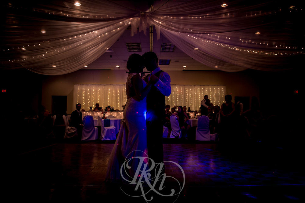 Jackie & Jan - Mankato Wedding Photography - Hubbard House - RKH Images - Blog  (22 of 22).jpg
